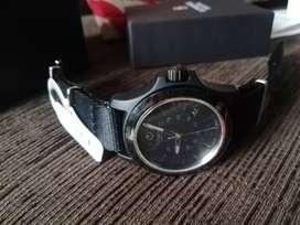 Vendo reloj victorinox correa nylon 241517