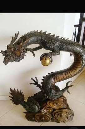 Exclusivo Dragon en Bronze  con perla en cobre  altura 90 cmt