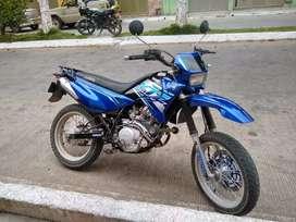 Vendo moto xtz 125 modelo 2010 o cambio por fz o pulsar 200