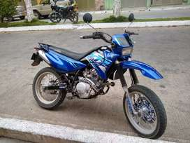 Vendo moto xtz 125 modelo 2010