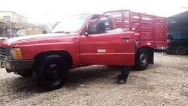 Viendo camioneta 3y gas y gasolina en buen estado listo para trabajar no consume y está enllantado precio negociable