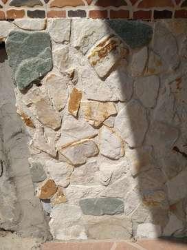 Vendo saldo de piedra decorativa.