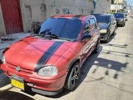 Se vende carro Corsa rojo bueno bonito y barato