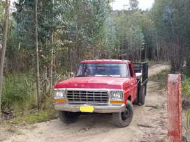 Vendo ford 350 v8 americano recién reparado motor negociable
