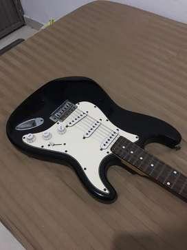 Guitarra electrica estado aceptable