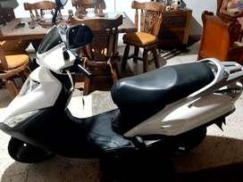 Moto Honda Elite 125, cilindraje 125. Papeles al dia.