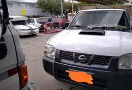 Nissan Frontier D22 estacas