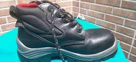 Botas punta de acero talla 35