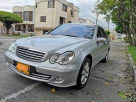 SE VENDE MERCEDES BENZ C180 KOMPRESSOR