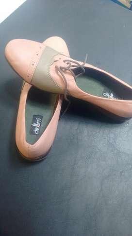 Zapatos Cuero Nuevo