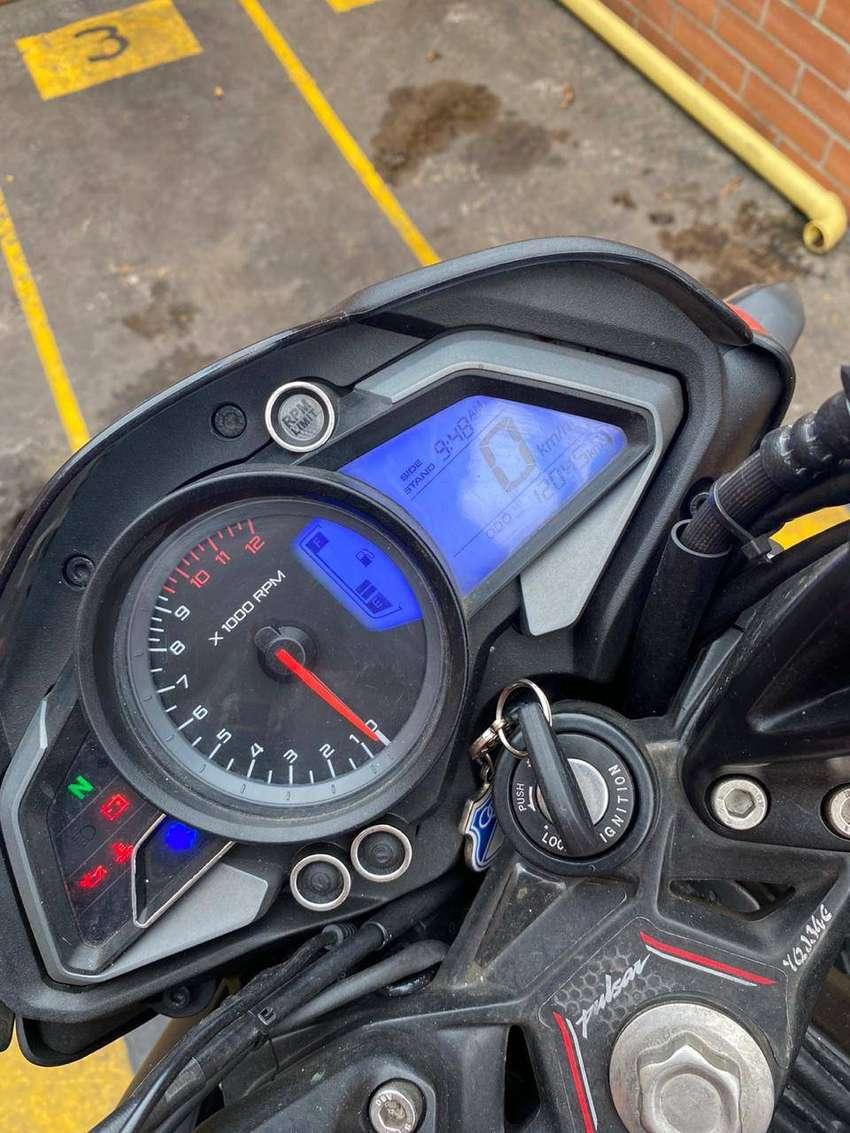 Se vende moto pulsar ns 200 en excelente estado 0