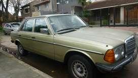Mercedez Benz 230 E Sedan 4 puertas