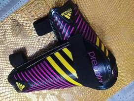 Canilleras Adidas Predator