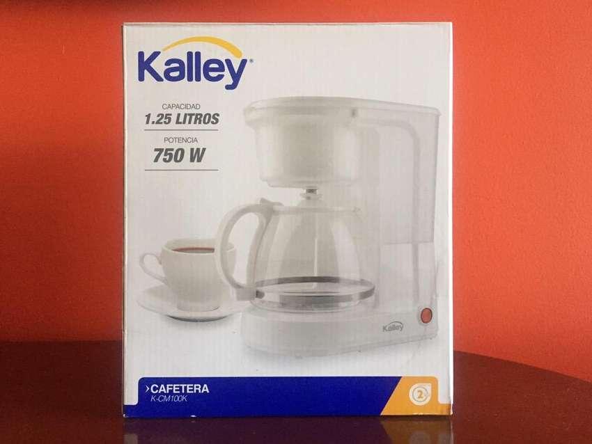 Cafetera Kalley nueva 8 tazas