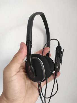 Audífonos SONY MDR NC 40