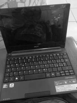 Vendo laptop  aspire one