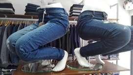 Remate Par de Maniquies, hombre y mujer, piernas sentadas, para pantalon, zapatos y cinturon