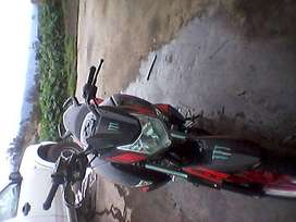 Linda moto200 tipo pulsar
