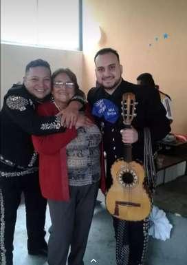 Mariachis en Quito para la persona especial