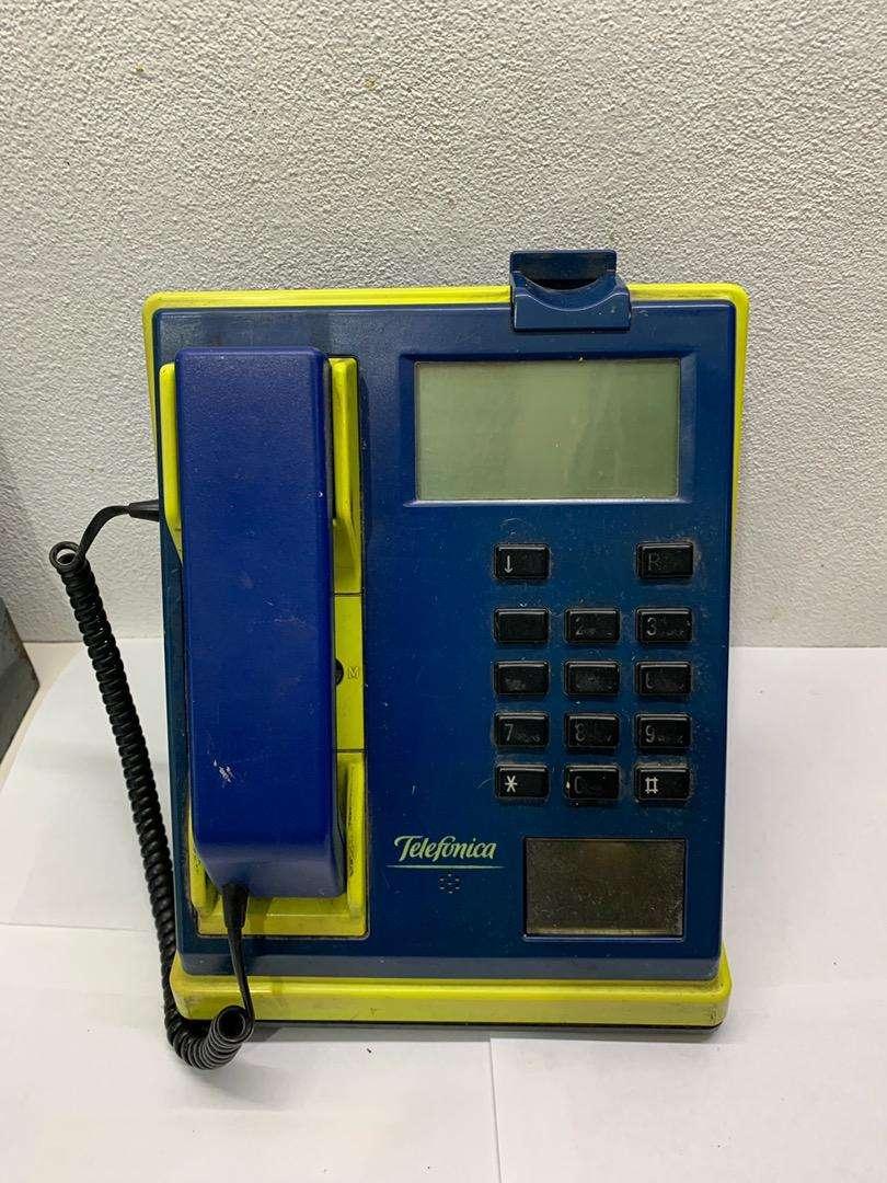 Telefono semi-publico ( para deciracion ) 0