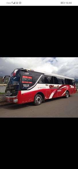 Vendo bus hino FG2010 con acciones y derechos