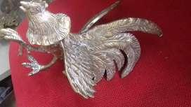 Se vende gallo en bronce