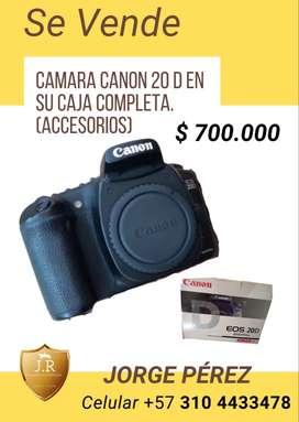 VENDO CAMARA 20 D  - CANON