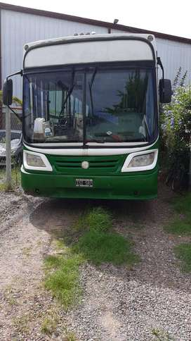 Colectivo para transporte de personas Mercedes Benz