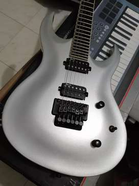 Guitarra Washburn Renegade mics Egnater Floyd Rose