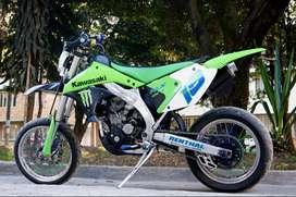 Vendo moto Kawasaki súper notar papeles al día