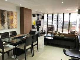 Apartamento de 3 habitaciones cada una con baños propios, con estudio, dos parqueaderos, zona social y piscina