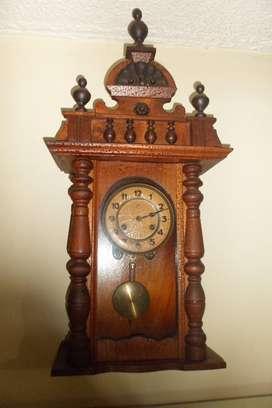 Reloj de muro antiguo, aleman marca JUNGHANS