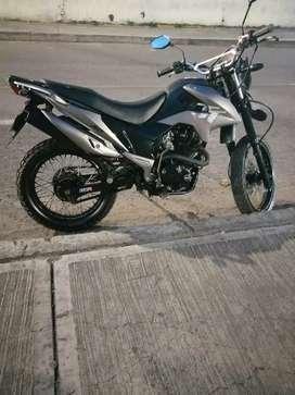 Se vende moto tt modelo 2014