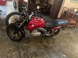 Moto GSX 125