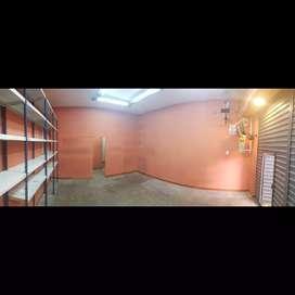Alquilo tienda comercial con depósito y baño en San Camilo