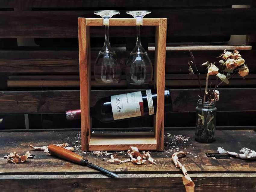 Botelleros, bar, cava en madera vintage. Regalo Amor y amistad! 0