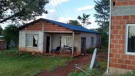 Vendo terreno con casa a una cuadra de la comisaría km 40
