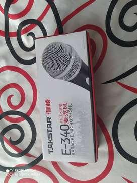 Se vende microfono con extension de 15 metros.