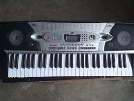 VENDO PIANO MODELO MK-2061