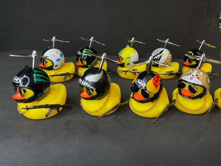 Patos con casco