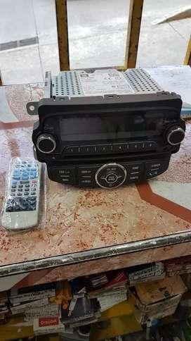 VENDO RADIO ORIGINAL DE TRACKER NUEVO A MUY BUEN PRECIO