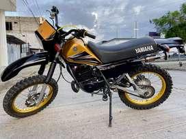 YAMAHA DT 175 DORADA