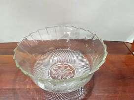 Fuente de vidrio antigua