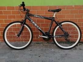 """Bicicleta GW 18"""" aluminio"""