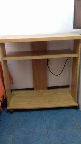 mesa para televisor excelente estado