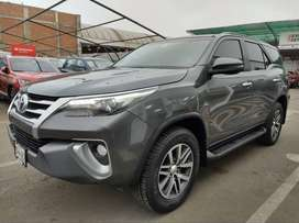 TOYOTA FORTUNER 2.8 ADVENTURE D-LUX 4x4 // AÑO FAB.2018(112.518)