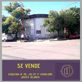 Venta esquina Charlone y 9 de Julio