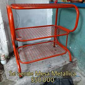Se vende Mesa Metálica