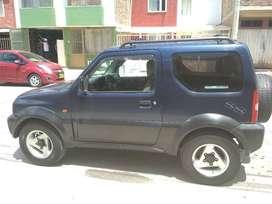 Jimny 2004, doble tracción, full injection.