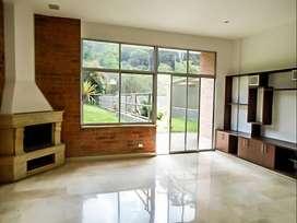 Casa Residencial en Arriendo Poblado Sector Loma Marianito. Cod PR